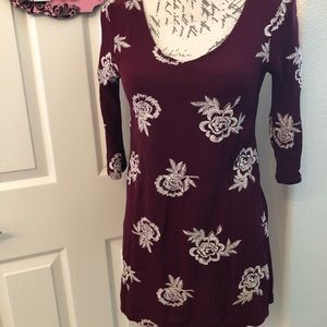 FULL TILT QUARTER SLEEVE BLOUSE SIZE S